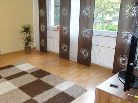 3 Zimmerwohnung mit großem und hellen Wohnbereich in ruhiger, grüner Lage