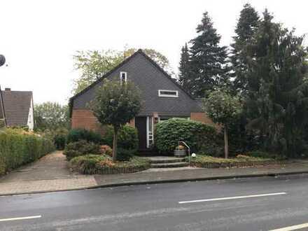 Schönes 2 - Familienhaus mit Garten, Carport und Stellplatz