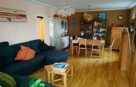 Sanierte 4-Zimmer-Wohnung mit Balkon und Einbauküche in Bonn-Plittersdorf