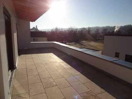3,5-Zimmer-Neubau-Wohnung mit großer Dachterrasse und Burgblick