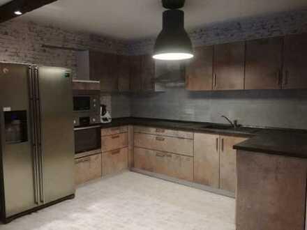 850 €, 95 m², 4 Zimmer