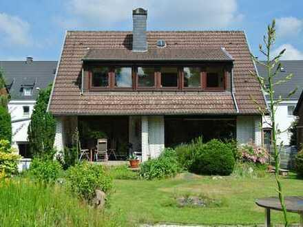 Geräumiges Ein- bis Zweifamilienhaus in Lünen, Provisionsfrei