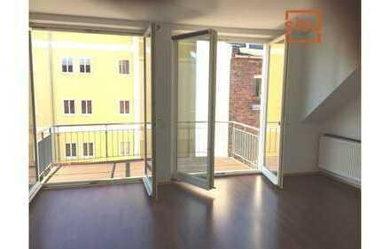 schöne helle Dachgeschosswohnung mit ausgebautem Spitzboden