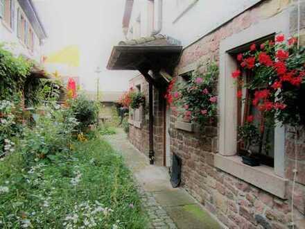 Schönes kleines Haus in historischer Hoflage in Weinheim