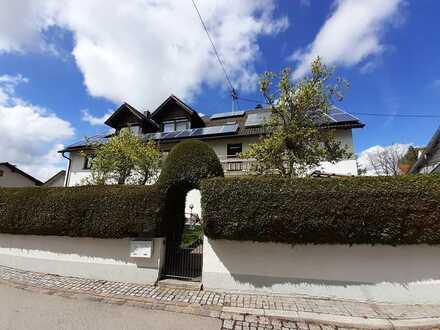 Attraktive 3,5-Zimmer-Wohnung mit Balkon und Einbauküche in Buchloe