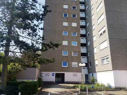 3,5-Zimmer-Wohnung mit Loggia