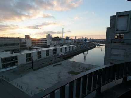 Zweitbezug! Große 3-ZKBB auf der neuen Hafeninsel in Offenbach mit Parkett, EBK und Skyline-Blick!