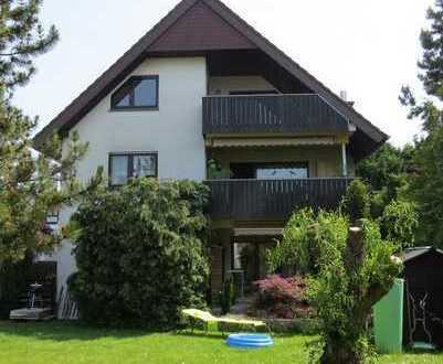 Helle und großzügige Dachgeschosswohnung in vorteilhafter Lage