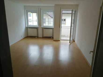 Schöne 3-Zimmer-Wohnung mit Balkon und Tiefgarage in Sulzbach-Rosenberg