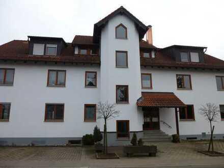 Schöne gepflegte 2,5 Zimmer Wohnung in Göppingen (Kreis), Uhingen