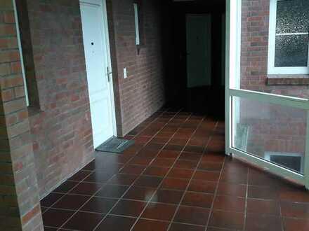 Super Aussicht: großzügige 3-Zimmer-Dachgeschoß mit Pkw-Stellplatz
