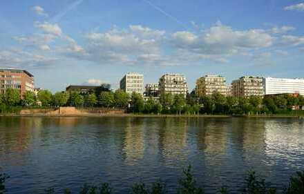 Freundliche + ruhige 2-Zi-Whg. mit grossem Südbalkon in Toplage direkt am Mainufer (ab sofort frei)