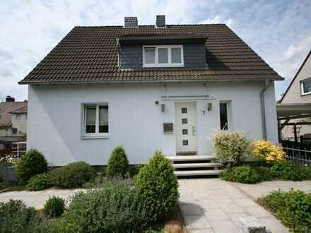 Modernisiertes freistehendes Einfamilienhaus