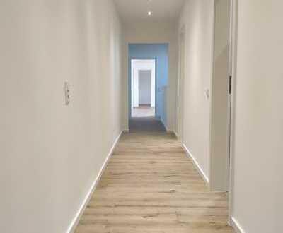 +++TOP sanierte 5-6 ZKB Wohnung++Balkon++Stellplatz++2 Bäder++Gäste WC