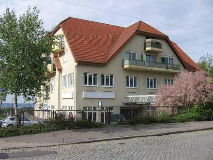 Renovierte 1-Zimmer-DG-Wohnung mit Balkon in Dresden in saniertem Haus