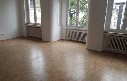 Wunderschöne sanierte Altbau-Wohnung im beliebten Saarlandviertel