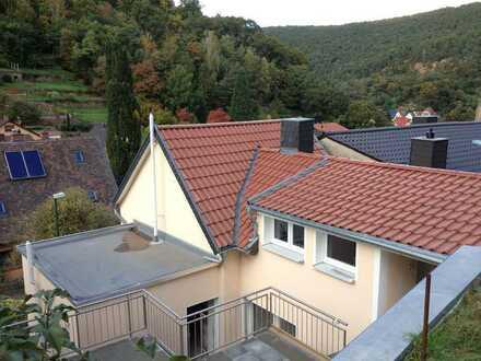 """Massiv gebautes 2-Familienhaus m. 3 Terrassen in sehr schöner Randlage mit Weitblick in """"GRETHEN"""""""