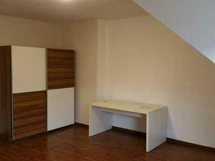 1 Zimmer Wohnung im schönen Altbau mit WLAN in der Mellerstr.