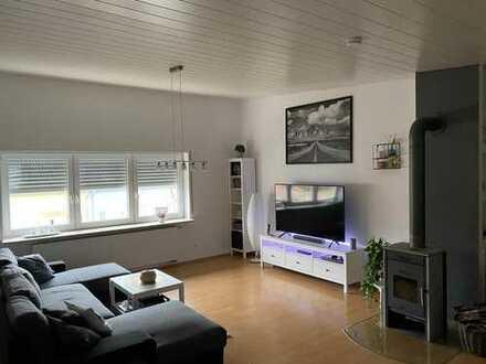 Gepflegte 4-Zimmer-DG-Wohnung mit Terasse in Möckmühl