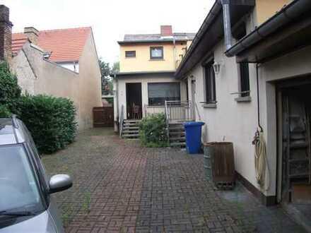 Schönes Haus mit acht Zimmern in Potsdam-Mittelmark (Kreis), Werder (Havel)
