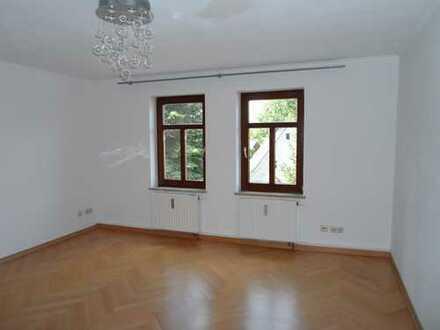 Schöne 2-Zimmer--Wohnung im Stadtteil Adelsberg inkl. Einbauküche und PKW-Stellplatz