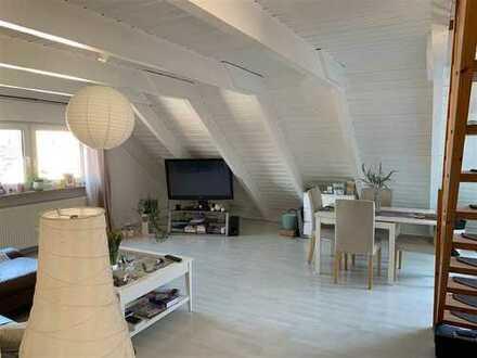 Sehr schöne Dachgeschosswohnung mit Loggia