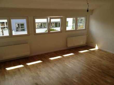 Schöne 3-Zimmer-Dachgeschosswohnung mit Balkon in Stuttgart