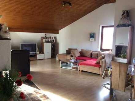 Attraktive 4-Zimmer-Dachgeschosswohnung mit Balkon und EBK in Sindelfingen-Maichingen