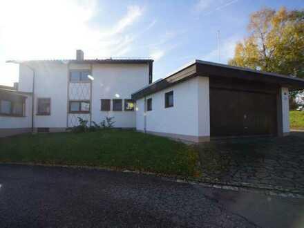 Ideal für den Handwerker - Wohnhaus mit Hallen, Garagen und Stellplätze - Ein Teil ist aktuell ve...