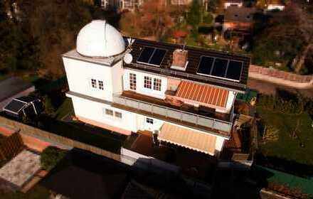 Vollständig modernisiertes, freistehendes Einfamilienhaus mit eigener Sternwarte