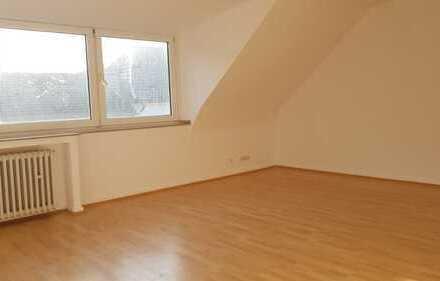 WG geeignet-2,5-Zimmer-Wohnung mit EBK in Krefeld Zentrum