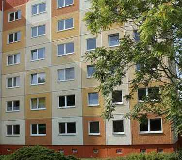 3-Raum-Wohnung mit tollem Grundriss und Blick über das Naturbad Thekla bis in die Innenstadt!