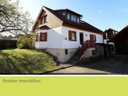 Geräumiges Einfamilienhaus mit großem Garten in zentraler Lage in Münsingen zu verkaufen