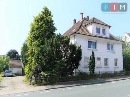 Solide Kapitalanlage: schönes Mehrfamilienhaus mit 3 Wohneinheiten in Bielefeld-Brake!
