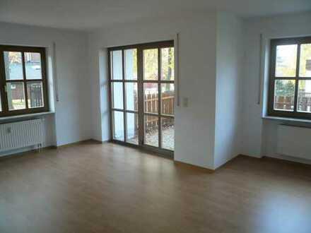 moderne 2-Zimmer-Wohnung mit Terrasse in der Nähe des Stadtzentrums