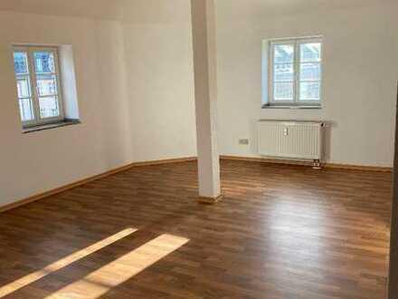 Dachgeschoss * mit gr. WohnZi & kostenloser EBK