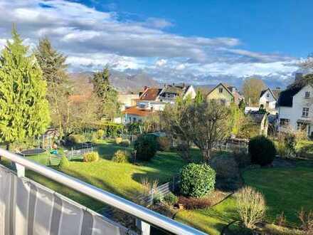 Bonn - Bad Godesberg, 4 Zimmer Maisonette Wohnung mit großem Dachbalkon und unverbaubarer Fernsicht