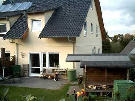 **** Gepflegte Doppelhaushälfte in Leichlingen-Witzhelden..... *****
