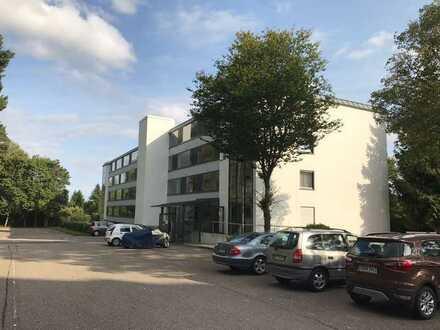 Gepflegte Wohnung mit zwei Zimmern sowie Balkon und EBK in Altensteig-Wart