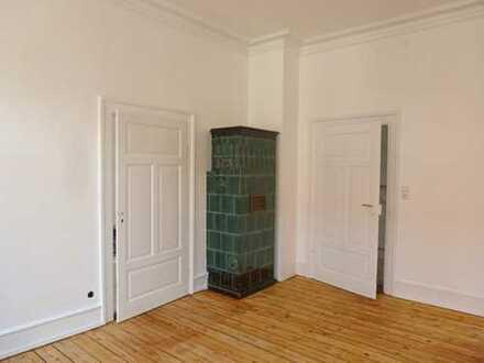 Fairmieten – Zentrale Lage in Neuenheim: 4 Zimmer-Altbauwohnung mit Balkon