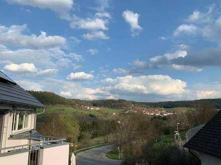 Gepflegte 4-Zimmer-Wohnung mit Balkon und EBK in Nagold-Pfrondorf