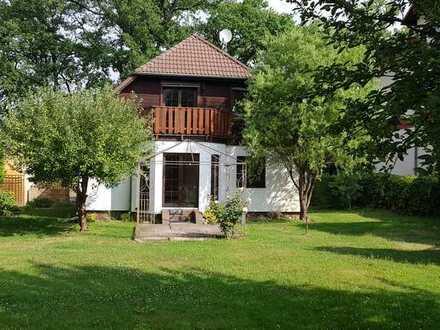 Schöne 3-Zi-Wohnung mit Garten in Eichwalde, 5 Min Fußweg zur S-Bahn, 8 Min Fahrzeit zur Autobahn