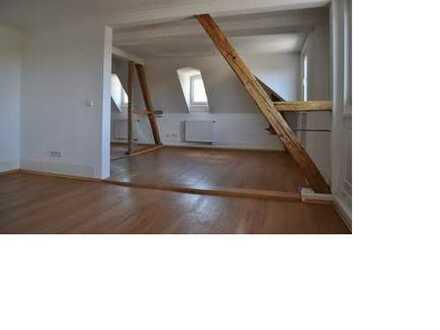 Traumhafte Maisonette-Wohnung mit Dachterrasse mitten in der Stadt