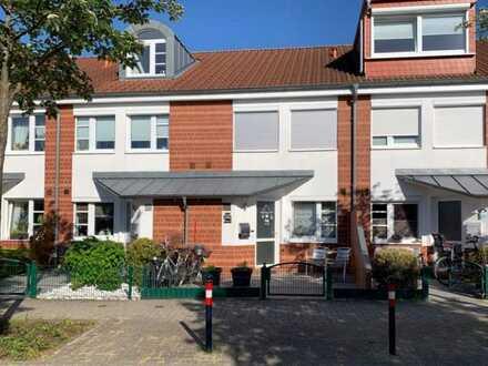 Gemütlich & energieeffizient: Modernes RMH mit Wintergarten in familienfreundlicher Lage von Bremen