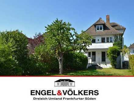ENGEL & VÖLKERS Große Stadtvilla am Waldrand