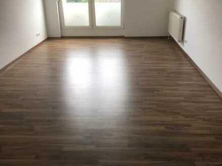Lichtdurchflutete Dachgeschoss-Wohnung mit Aufzug & TG-Stellplatz!