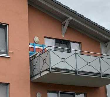 Sonnige und neuwertige 3-Zimmer-Wohnung mit Balkon in Döbeln