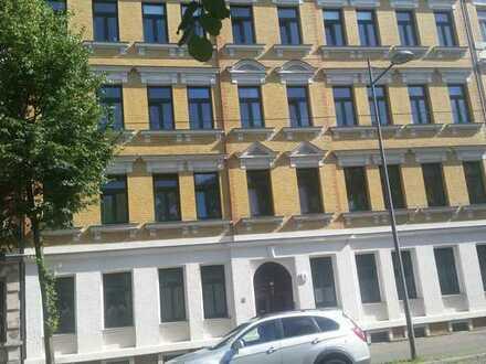 Sanierte 2-Raum-Wohnung mit Einbauküche in Leipzig