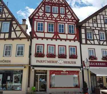 1 ZIMMER,Top Lage, Marktplatz Bad Urach,Gemeinschafts-Bad/WC-Küche