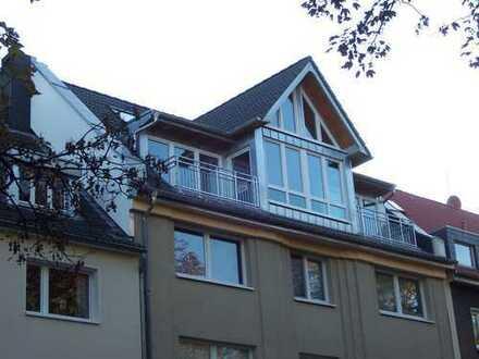 Großzügig geschnittene Apartement-Dachgeschosswohnung an der Essener Innenstadt